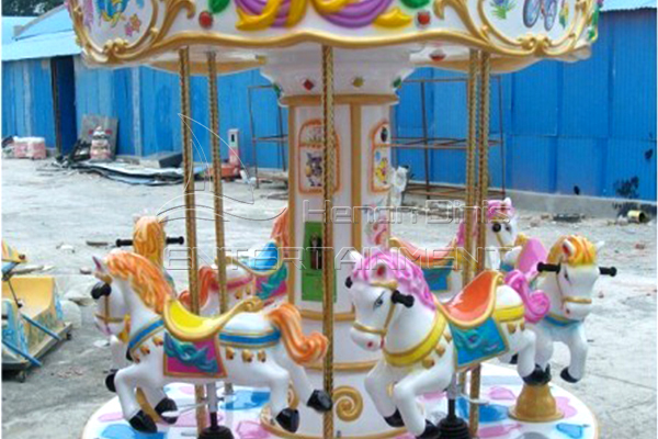 Cartoon horse carousel for sale is available in Dinis