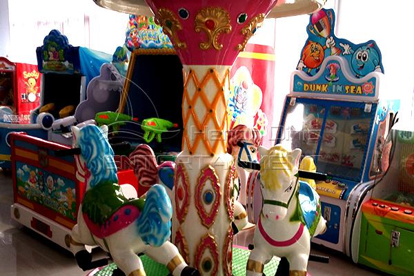 Cheap simple three horse carousel kiddie ride
