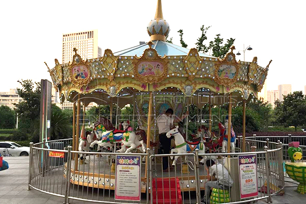 Dinis Luxury vintage carnival ride on horse