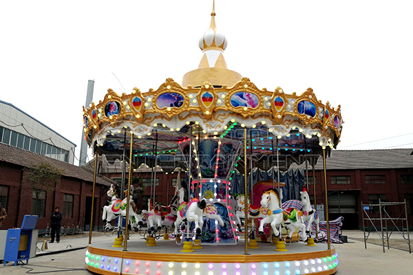 Outdoor Christmas carousel kiddie rides