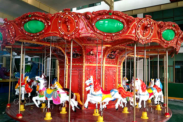 Vintage carousel horse for sale at Dinis factory exhibition hall