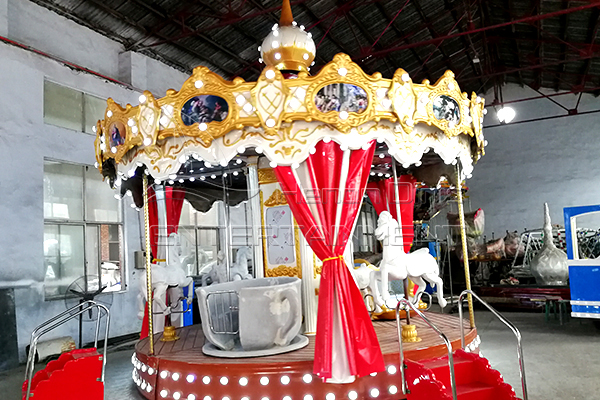 Tailored santa carousel horses rides for Christmas Holiday