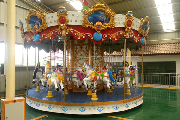 carousel horses for sale in Dinis factory